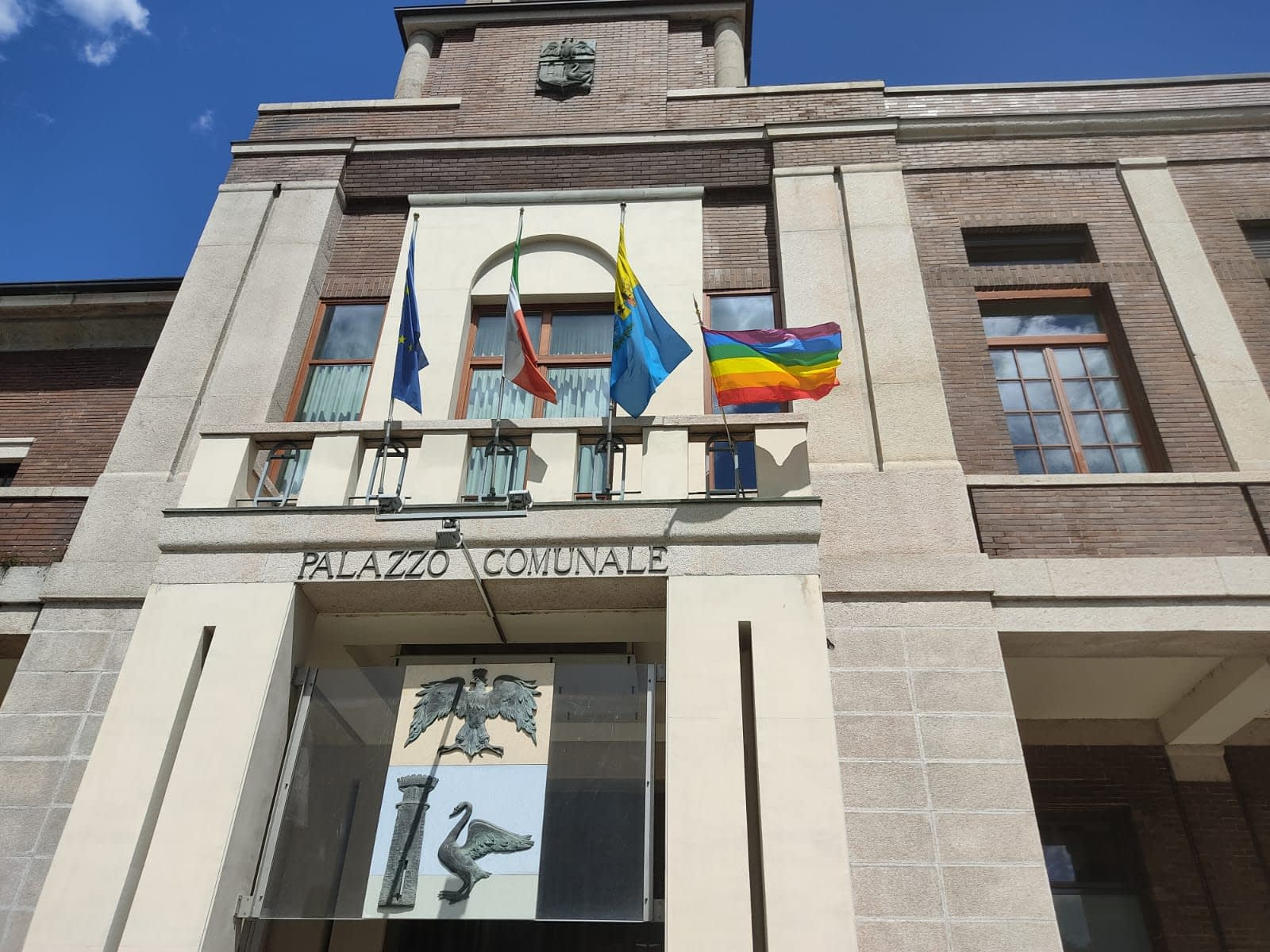Bandiera LGBT Luino