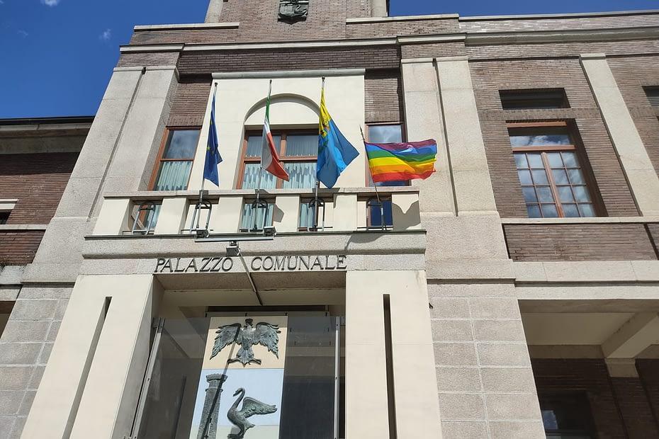 Bandiera Arcobaleno Luino